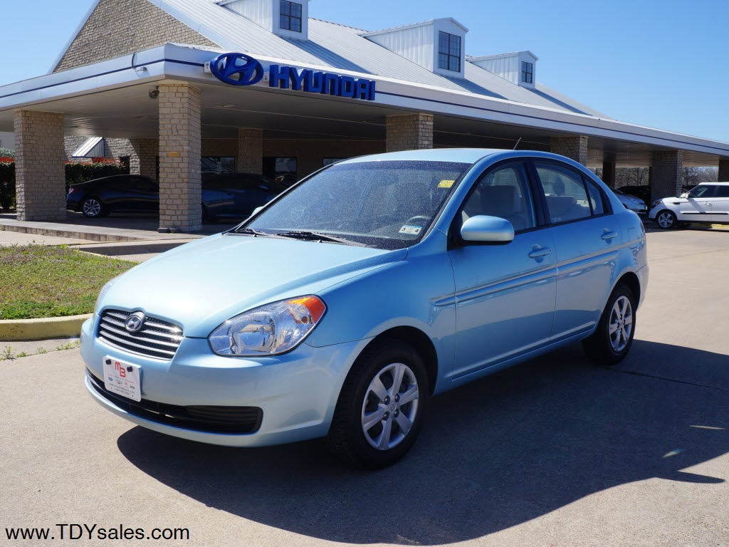 For Sale 11 988 For Used 2011 Hyundai Accent Gls Sedan In