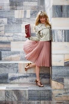 Full skirt: