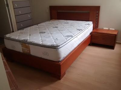 Juego de Dormitorio en Cedro