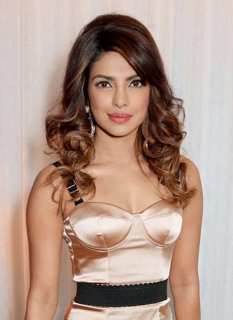 Priyanka Chopra hot cleavage photo