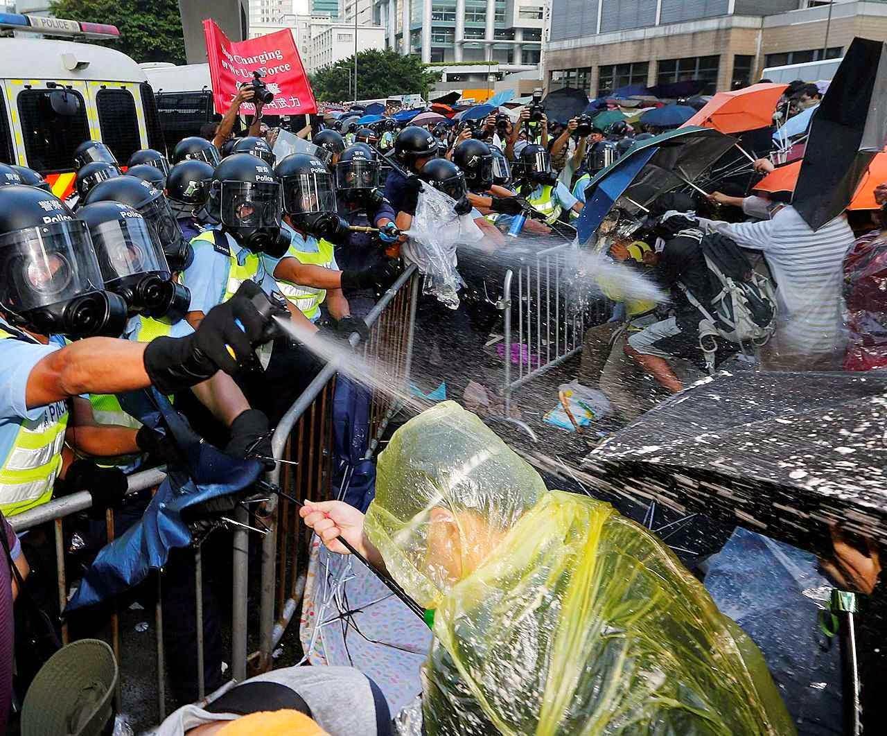 """""""Revolução dos guarda-chuvas"""" resiste às tentativas de repressão policial"""
