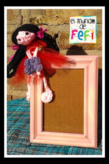 cuadro 10x15 - muñeca amigurumi - crochet - el mundo de fefi