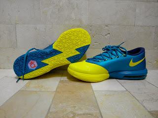 Oklahoma Basketball Shoes
