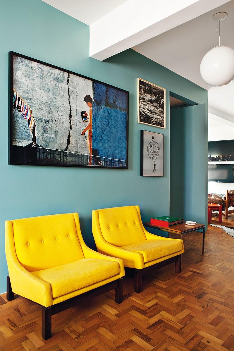 Amerikanisches Mid-Century frisch zusammengesetzt in Sao Paulo – stylische Einrichtung im Wohnzimmer