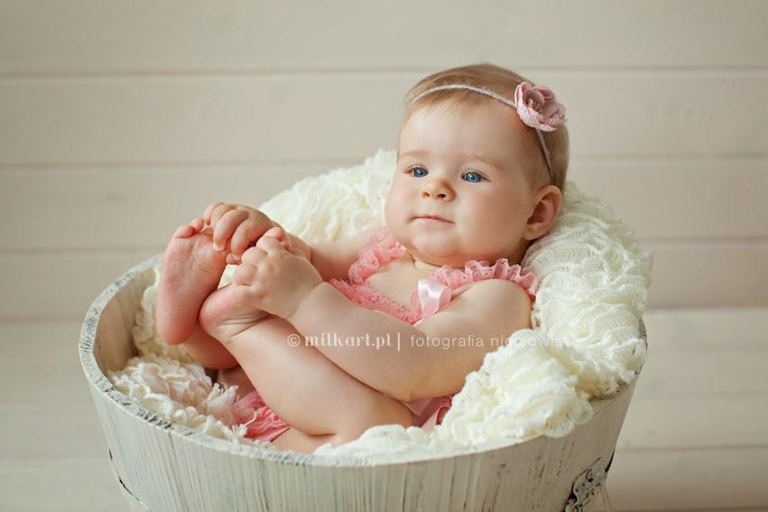 artystyczna fotografia dziecięca, fotografia rodzinna, zdjęcia dzieci, fotograf noworodków w poznaniu, sesja zdjęciowa na roczek