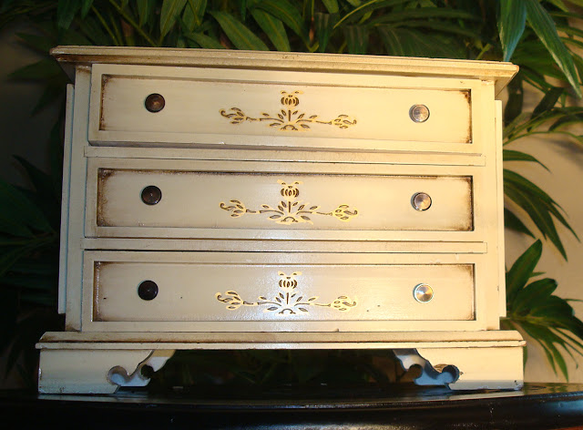 Antique/Vintage Musical Jewelry Box
