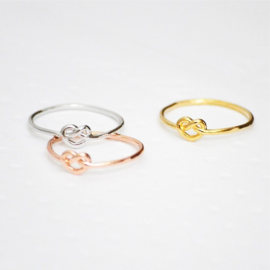http://sarahandbendrix.com/collections/products/jewellery