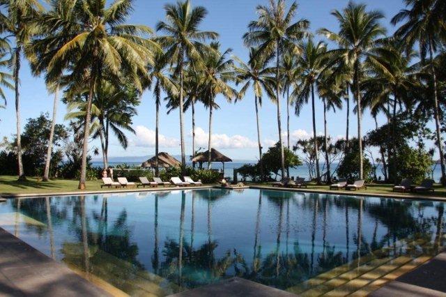 Piscina en hotel Alila Manggis, Bali
