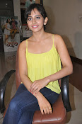 Rakul Preet Singh latest photos-thumbnail-20