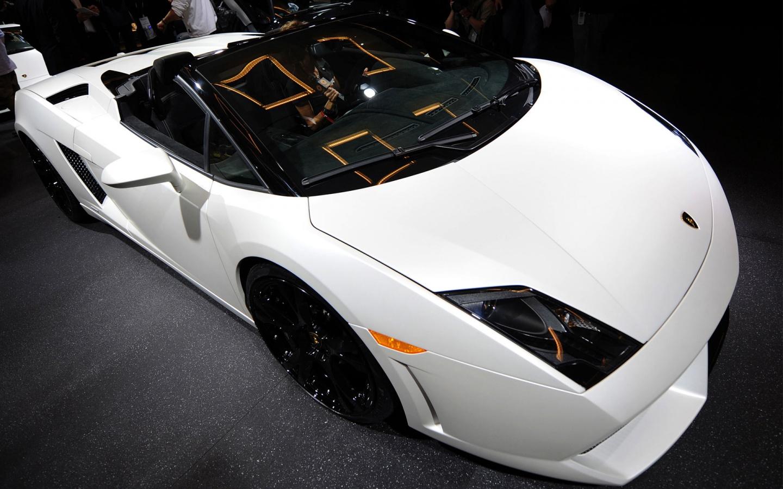 http://1.bp.blogspot.com/-dEEa5ya_oGQ/TnoCT8gOIyI/AAAAAAAAAJ4/X9qVBF5RJR0/s1600/lamborghini_beautiful_car_wide-1440x900.jpg