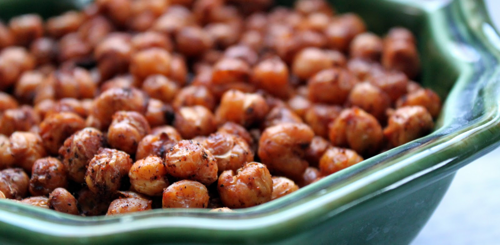 ... rinse and pat dry the two cans of chickpeas place chickpeas onto a