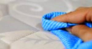 Como tirar manchas do colchão (2 dicas)