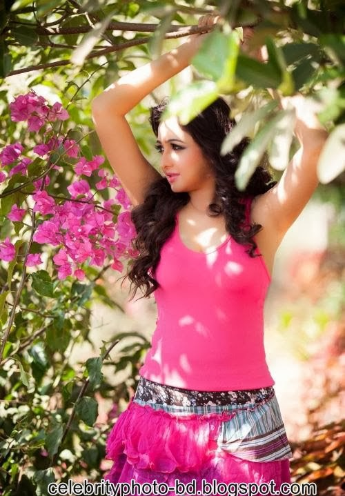 Watch+Hottest+Girls+from+South+Indian+Films001