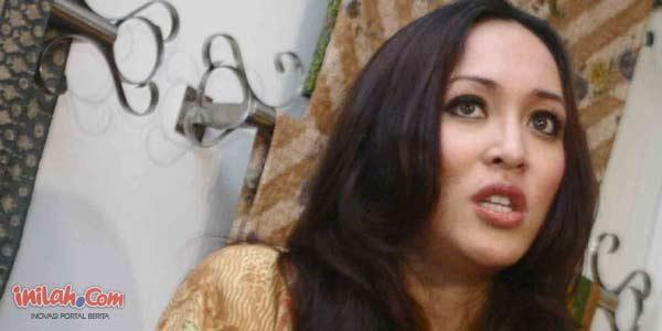 Dr. H. Angelina Sondakh Massaid, SE. MSi