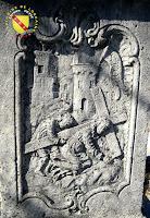 Vitrey - Croix monumentale du cimetière : Simon de Cyrène portant la croix de Jésus