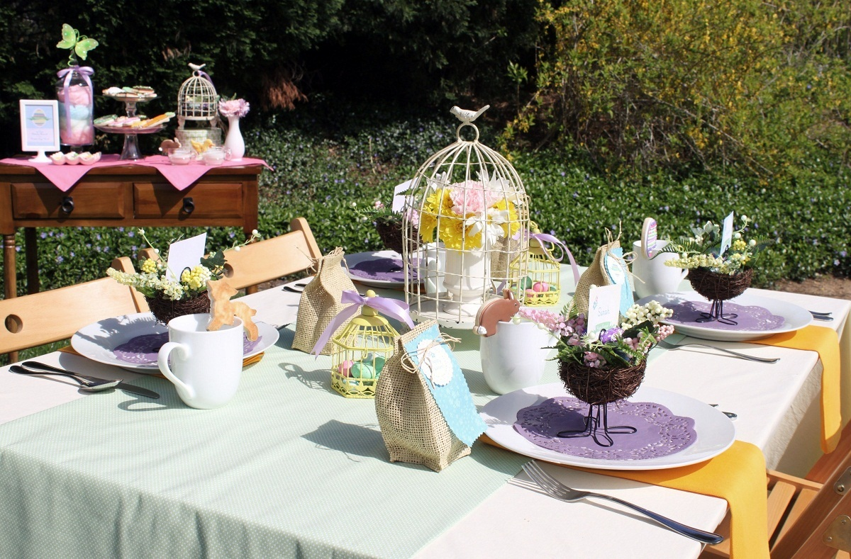Easter spring brunch ideas Brunch table decorations