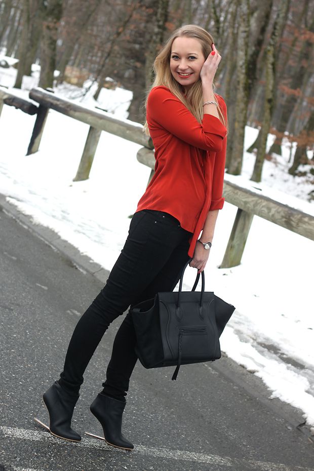 Blouse soie orange gerard darel sac celine phantom boots plexi margiela