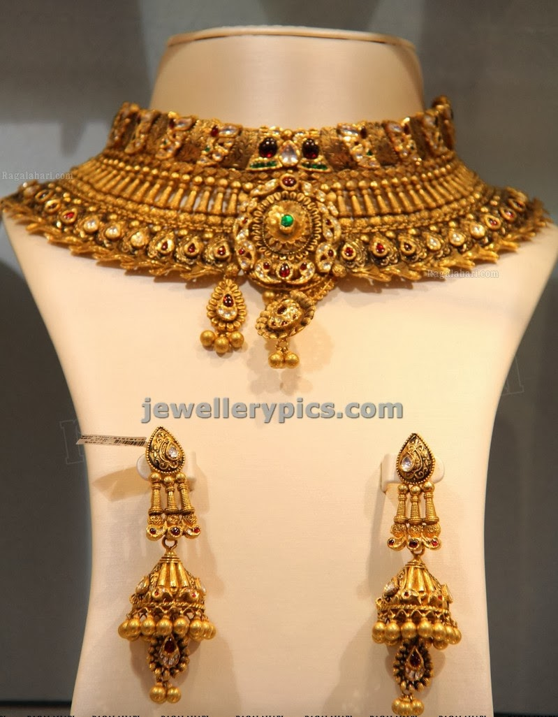 antique gold choker and jumka