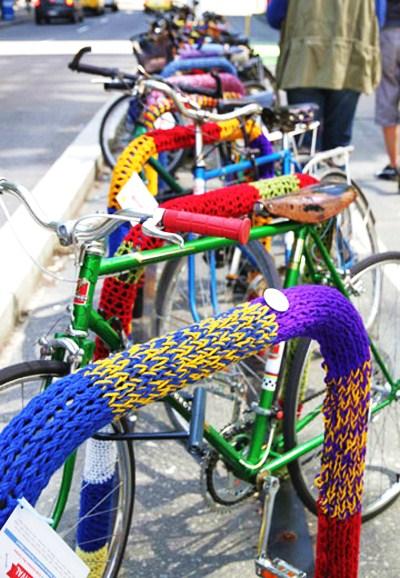 Knitting Graffiti Rocky : Guerriglia urbana a suon di ferri da maglia copenaghen e