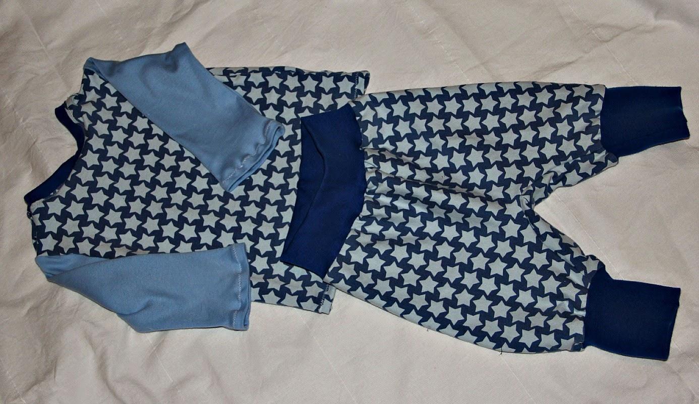 Knutselzwerg: Frechdachsshirt mit Jerseyhose