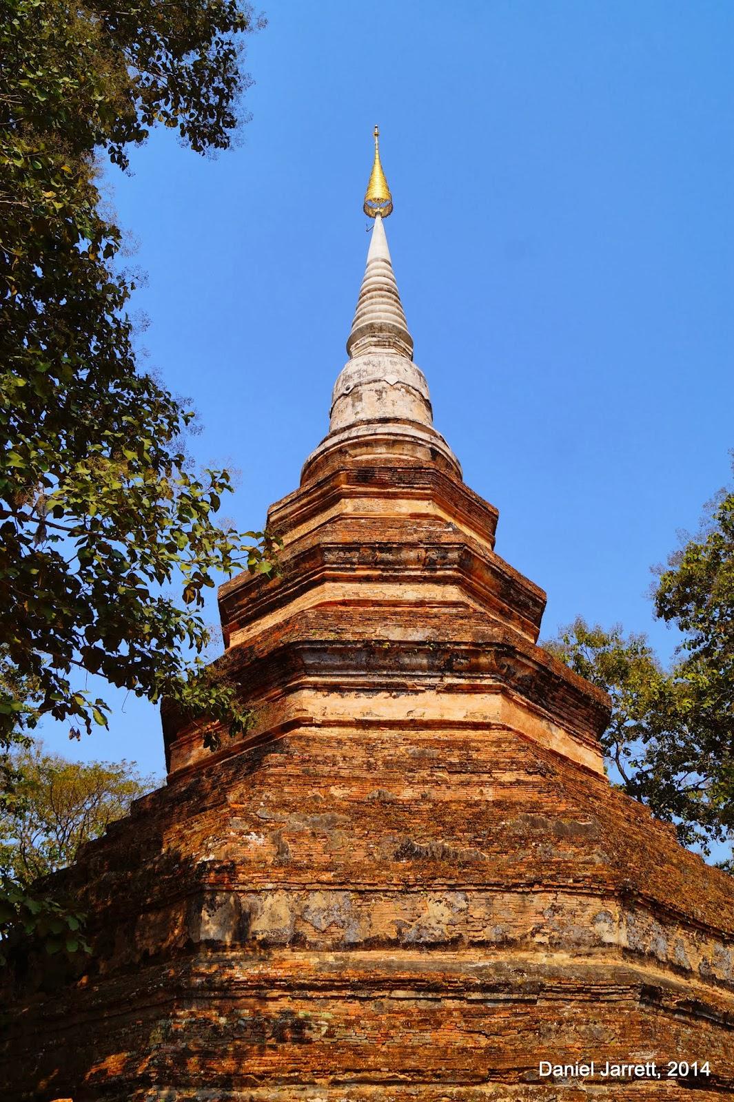 Wat Chedi Luang Chiang Saen
