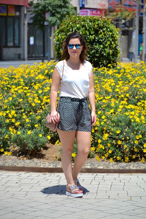 look_short_estampado_cuñas_con_brillantes_joya_lolalolailo_01
