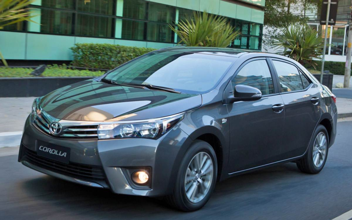 2015 toyota corolla altis 1 6 g at reviews autos post. Black Bedroom Furniture Sets. Home Design Ideas