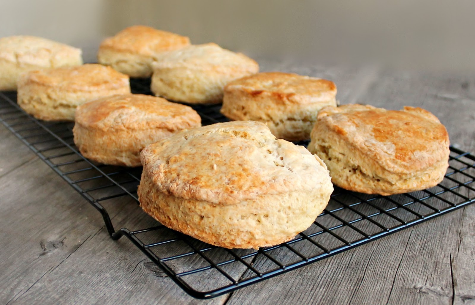 ... looove the idea of Irish soda bread biscuits! They look awesome