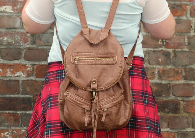 primark oversized red plaid boyfriend shirt, primark tan backpack, ootd, autumn outfit,