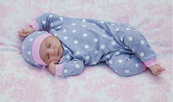 Tips Memilih Baju Tidur Bayi