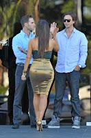 Kim Kardashian famous curves