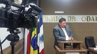 VEREADOR BRANCO REQUER MOÇÃO DE APLAUSOS AO PROMOTOR DE COARI