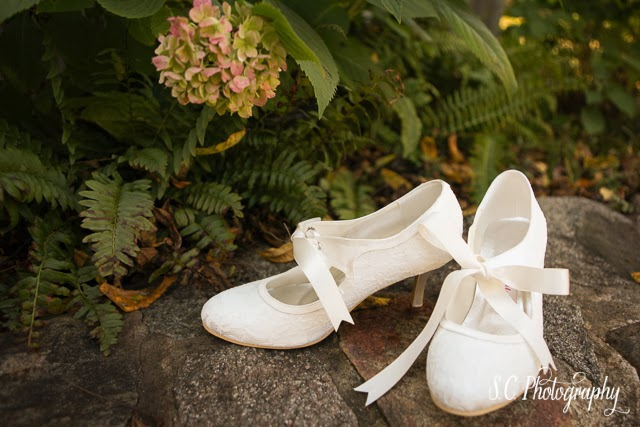 Ribbon wedding shoes white lace heels