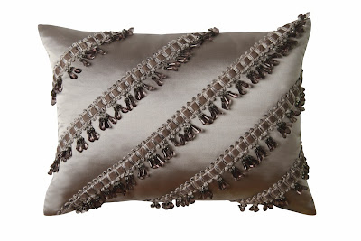 decorative bedroom pillows