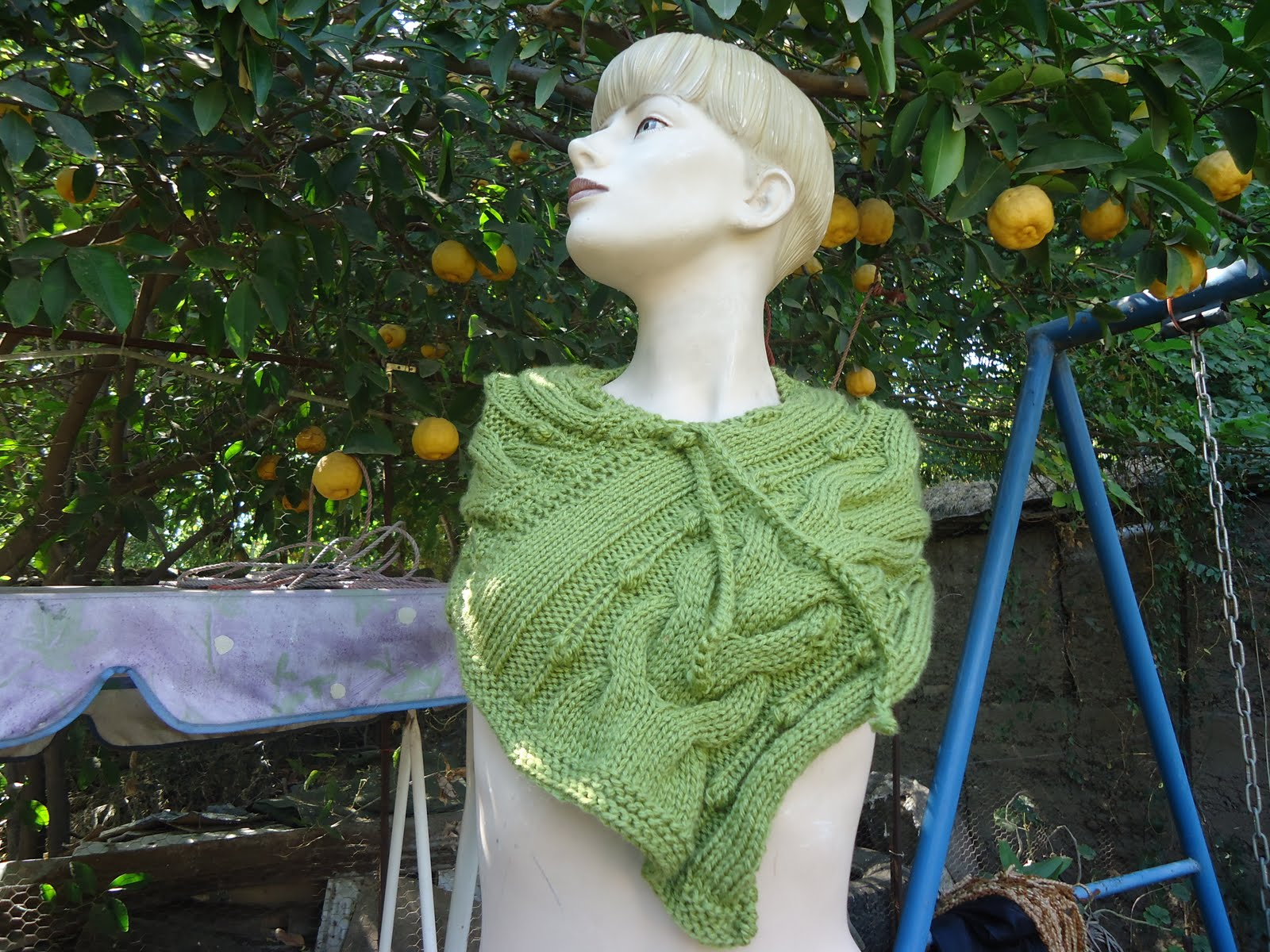 Majetejidos: Mini poncho tejido a palillos