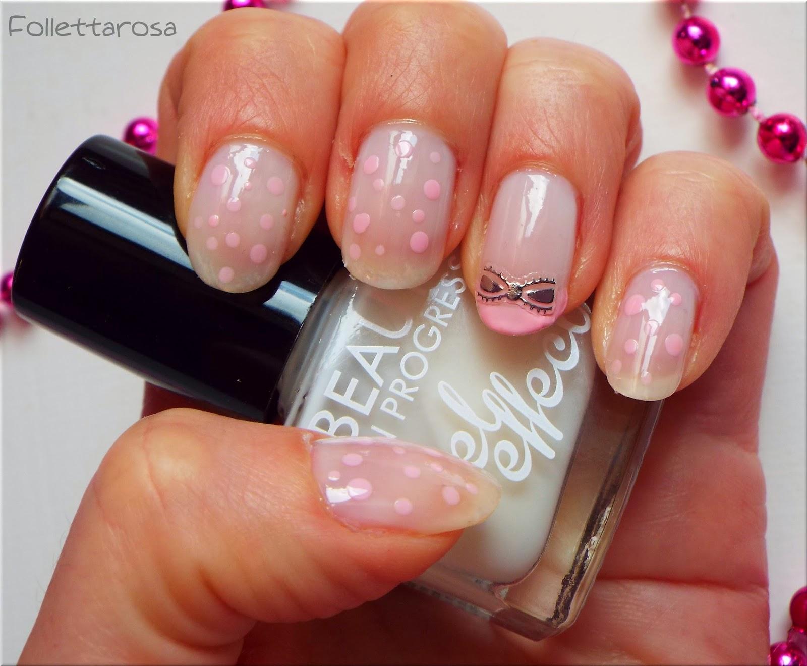 nail art facile con fiocco