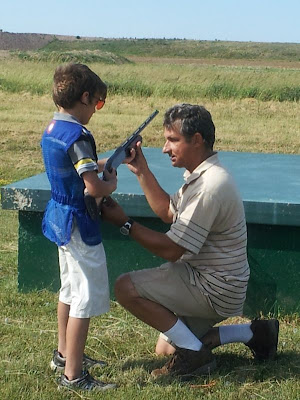 A trapshooter was born: William and hist first targets!
