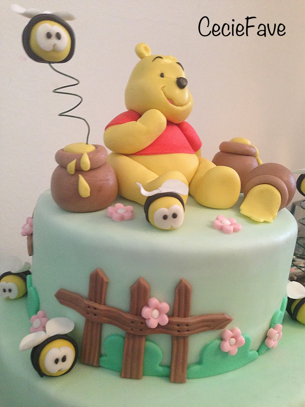 Ceciefave torta winnie pooh for Winnie pooh ka che