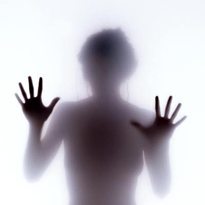 http://1.bp.blogspot.com/-dGum4ZP_DFE/TVkWsnqThnI/AAAAAAAAAP0/U1ME4_UIR6A/s1600/Social-Phobia.jpg