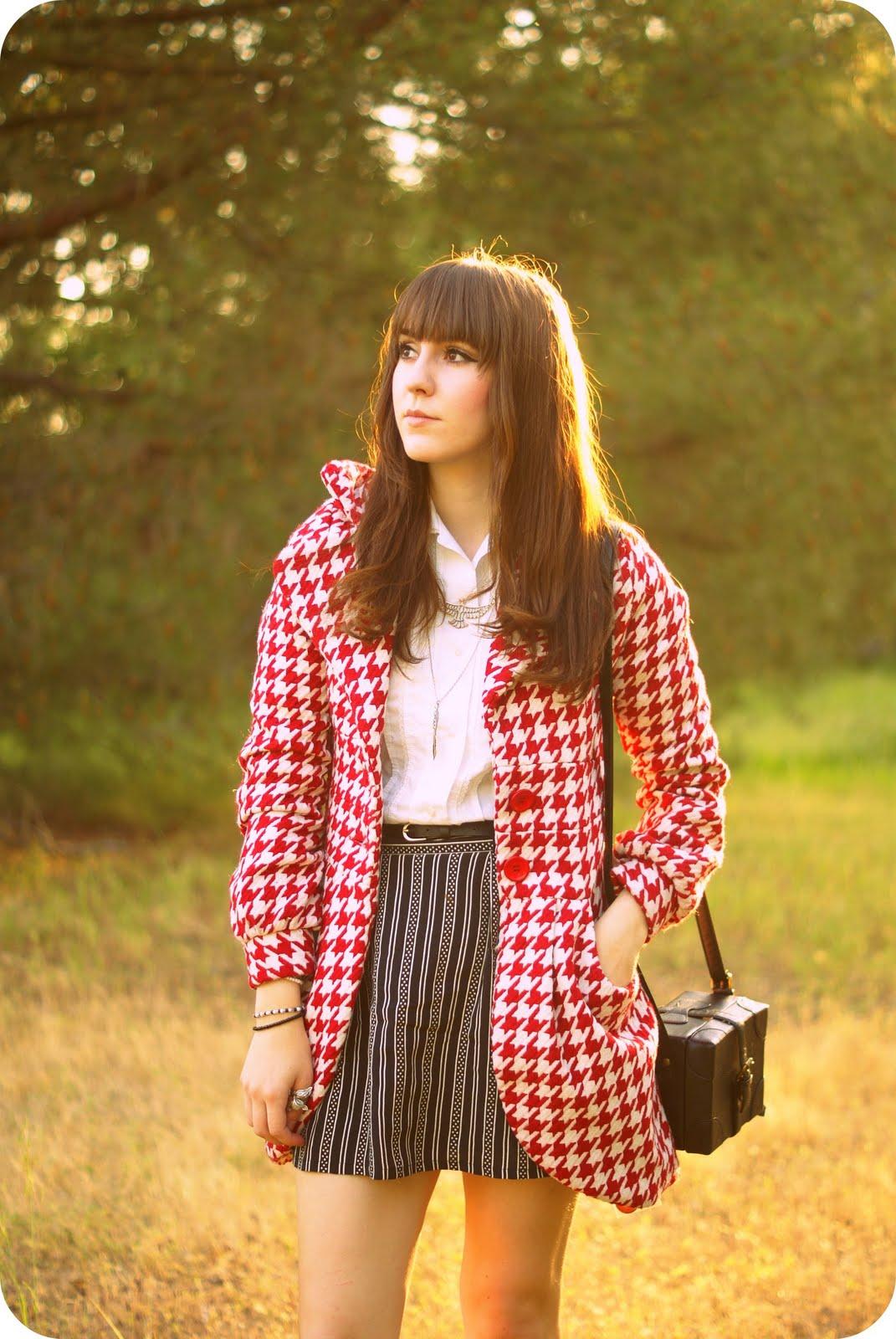 http://1.bp.blogspot.com/-dGz-WyLJ4_k/TcozrQUz-JI/AAAAAAAABYc/jmMBxdYPkBI/s1600/look+up+mod+girl.jpg