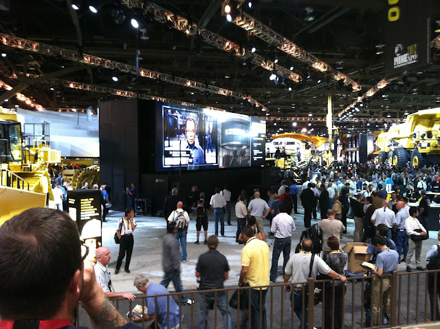 Caterpillar's Big-big screen TV