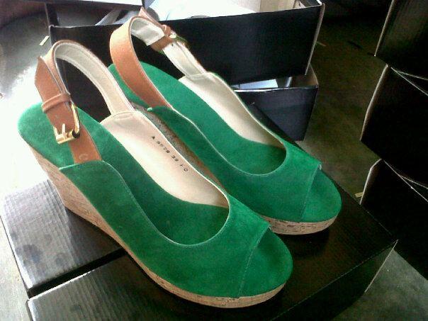 Aneka model sepatu sandal wanita murah,sandal wanita model Green