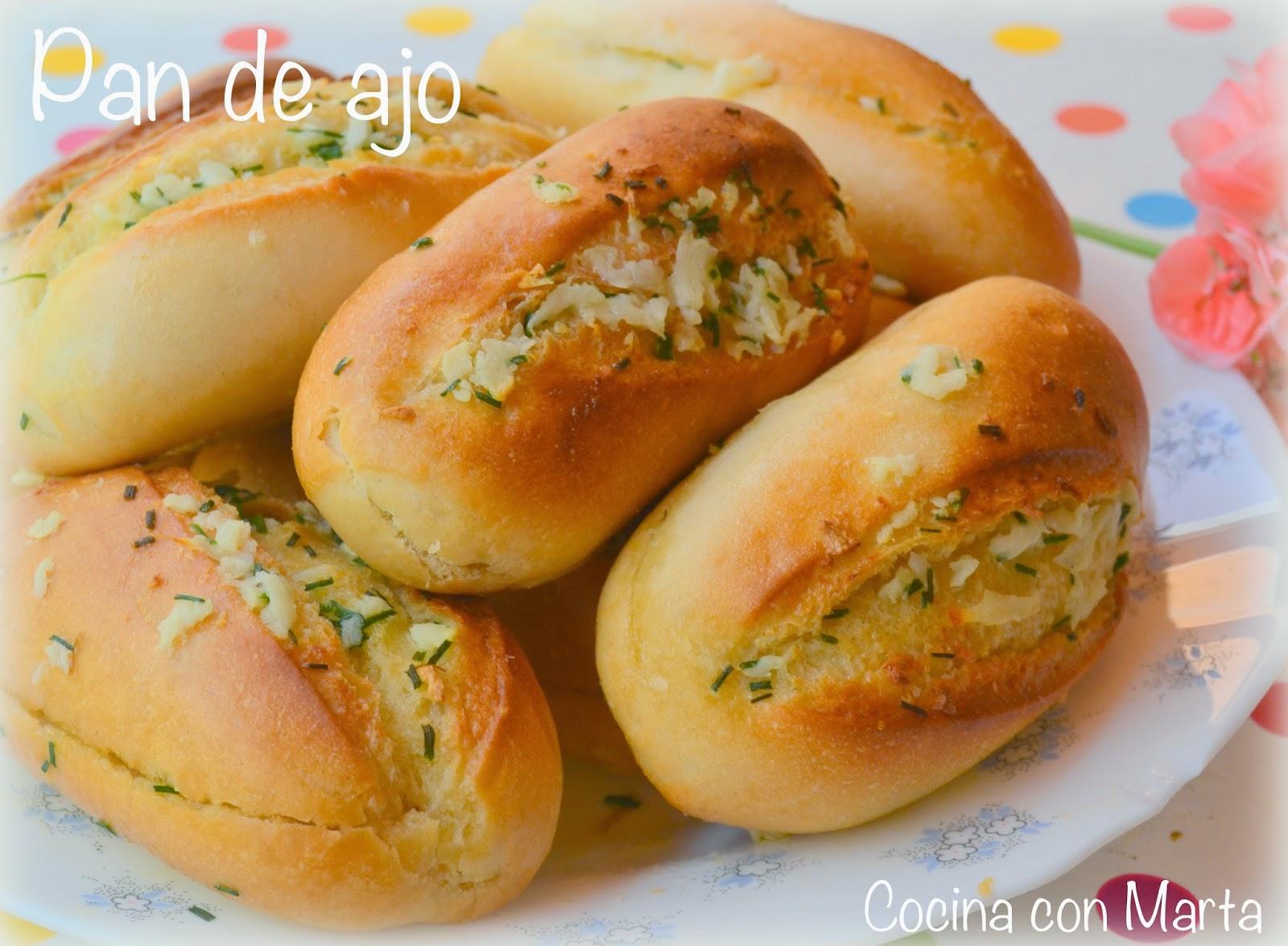 Receta de pan de ajo casera. Fácil, rápida y sencilla.