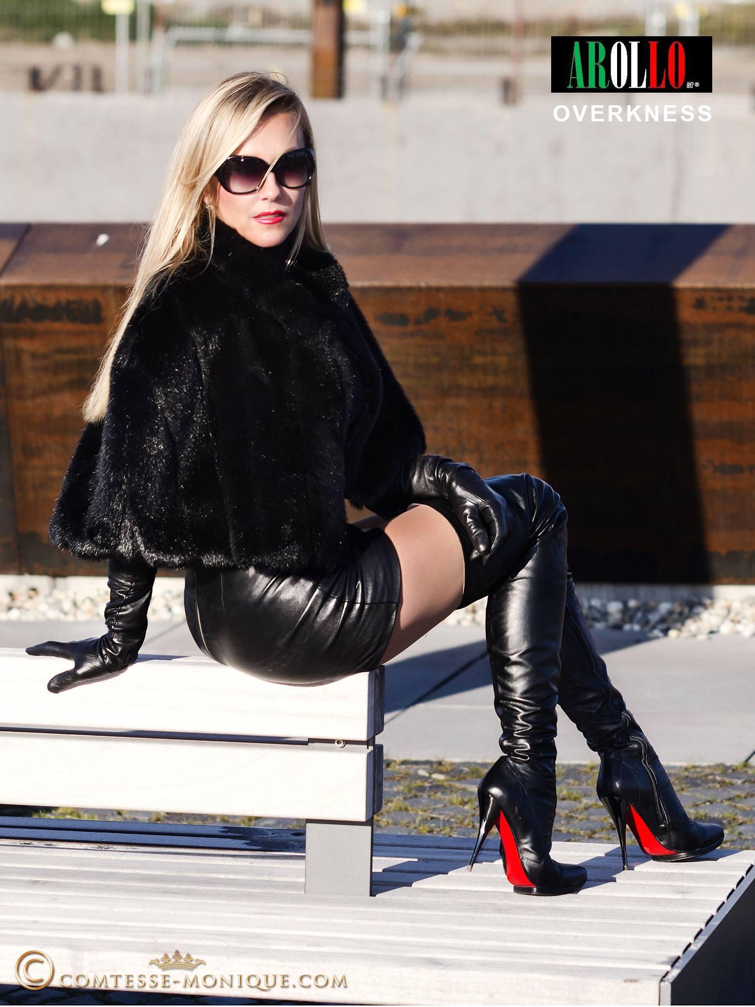 Русская госпожа заставила лизать подошву сапог 24 фотография