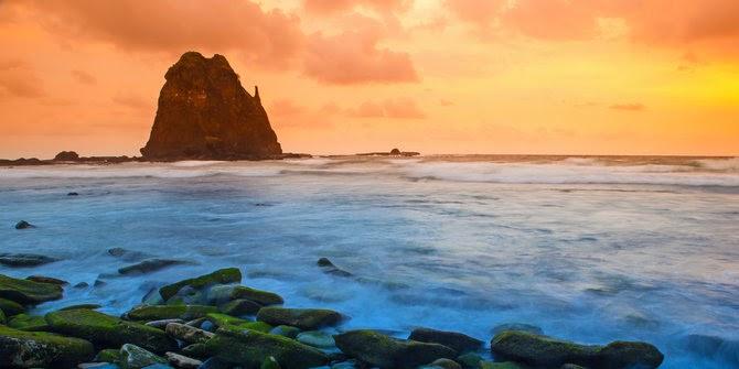 Ombak pantai papuma yang sering memakan korban