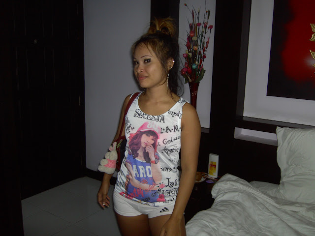 Bar girl in hotel room changthong house hotel pattaya