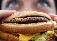 Médicos britânicos lançam campanha contra empresas de junk food