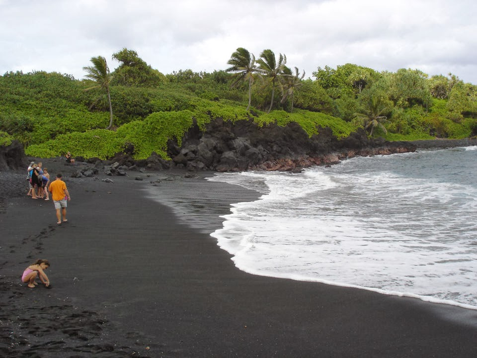 10 colorful beaches around the world top 10s for How many black sand beaches in the world