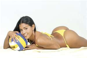 Jaqueline Carvalho Starts Off Monday As One Of The Most Beautiful