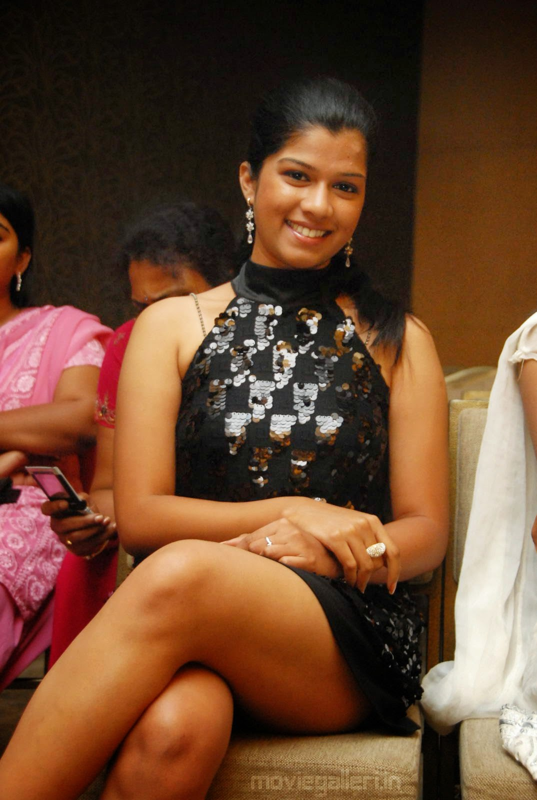 local indian girls hot thighs photos